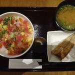 海鮮丼 佐政 - ばらちらし 980円