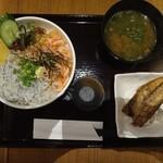 海鮮丼 佐政 - 釜揚げしらす桜えび丼 1,190,円