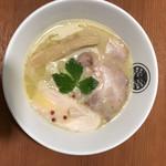 96796756 - 鶏白湯らぁ麺(上から)