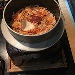 卯月 - 桜えび、真鯛、梅干し、の釜飯です。チョッピリの生姜が味のアクセントです。