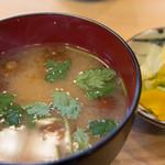 天藤 - みそ汁とお新香