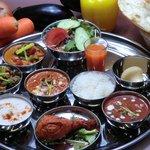 印度亭 - 料理写真:ランチターリーです