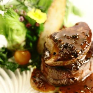 レクラン ド デリス - 料理写真:特選牛フィレ肉とフォアグラのロッシーニ