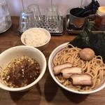 吉田製麺店 - つけそば魚介豚骨醤油 特製トッピングと白めし