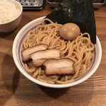 吉田製麺店 - 麺 中盛り300gまでは無料