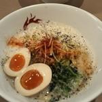 らーめん左介 - カラごまラーメン+煮卵(770円)