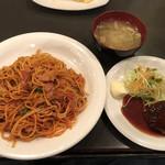 96827325 - カヤシマワクワクセット:ナポリタン大盛りとハンバーグ(980円)【平成30年11月19日撮影】