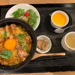 秋田比内地鶏生産責任者の店 本家あべや - 極上比内地鶏の親子丼御膳