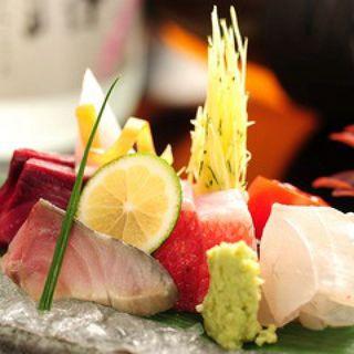 日本各地より厳選した上質な食材、海鮮食材・和牛・あじ豚など