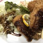 自由軒 - 料理写真:五郎セットにソースかけました