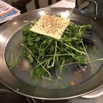 デンズパスタバル - 3種の貝の鍋