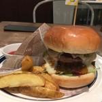 96847233 - 【'18.11】20分もかかったけど…ハンバーガーって手軽には食べられないのね。