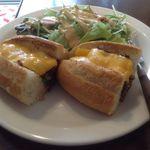 ザ サンドイッチ クラブ - サンドイッチ(フィリーチーズステーキ)