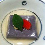 Hanamurasaki - ゴマ豆腐。豆腐3連続です^^