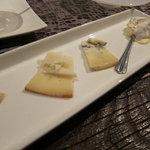 ポニ・アネラ - フランス産チーズ盛合せ1000円