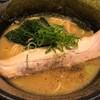 真剣勝負 - 料理写真:豚骨醤油ラーメン 853円。