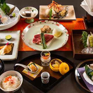 日本料理専門料理師が織りなす繊細ば日本料理をお楽しみください