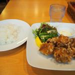 留萌マルシェ - 鶏のザンギランチ