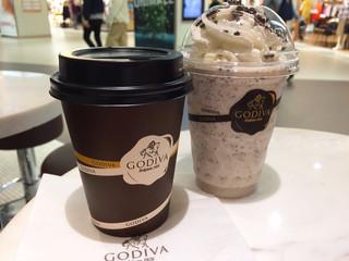 ゴディバ ショコイスト名古屋ユニモール - ホットチョコ ¥550