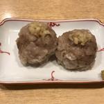96867165 - 肉の旨味と生姜の相性の良い焼売!!
