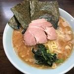 武蔵家 - ラーメン中 750円