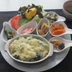 アプリコット - 里芋とほうれん草のみそ味玄米ドリア