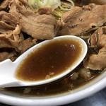 一条流がんこラーメン総本家 - サンマ節を使った下品スープ