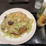 リンガーハット - 野菜たっぷり皿うどん(810円)