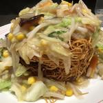 リンガーハット - 揚げ麺の縦方向すごい