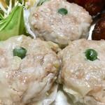 肉のヨシハシ - このシュウマイが本当に美味しいっ♡