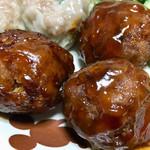 肉のヨシハシ - 「肉団子」の食感もいいですが、このタレが美味しいっ!!
