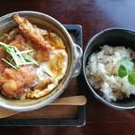 96874619 - 熱々トロトロ甘辛味の秋鮭フライ玉子とじに、鯛めしという贅沢過ぎる組み合わせ