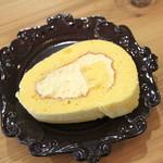 コロロ カフェ - ロールケーキ フロマージュ
