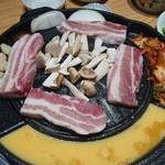 韓国料理ソウル優ちゃん - 究極厚切サムギョプサル
