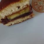 大津屋 - 芋どら焼き