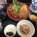 魚安食堂 - 料理写真:昼定食860円
