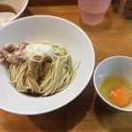 煮干中華ソバ イチカワ - 和え玉+生卵