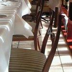 ガット・ネーロ - 【'10/11/19撮影】店内のテーブル席の風景です