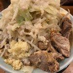 麺屋 まんてん - ラーメン200g野菜マシ 味玉半身入り ¥750 チャーシュー2枚 ¥200