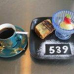 カフェ ゴサク - 料理写真:ケーキセット(デザート+ドリンクのセットで100円引き)
