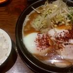 RAMEN 風見鶏 - 鶏白湯赤みそ、小ライス