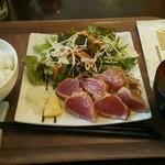 Hotomeki - 天然生鮪レアステーキ 焦がバター醤油仕立て