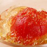 炭焼とワイン 円山すだち - フルーツトマトの梅酒ジュレ掛け