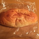 ハチイチベーカリー - クリームパン