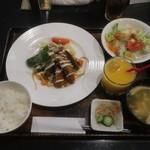 洋食屋 RYO - 本日のお魚ランチ(ドリンク付)
