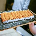 富小路 やま岸 - 料理写真:☆雲丹ドッグ 10列の世界記録!