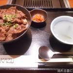 焼肉家 KAZU 神楽坂 - THE!サガリ丼