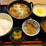 角打 - 牛鍋定食ランチ(750円):ご飯お替り自由、小盛でも割引無し