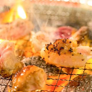 炭火で焼いて楽しむ七輪焼き鳥バル!