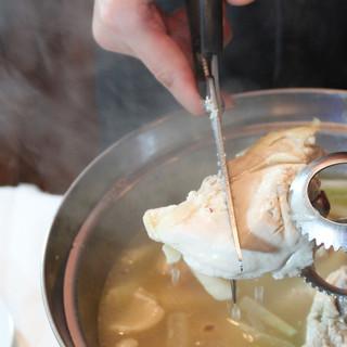 当店名物タッカンマリ★黄金のスープはキレイの味方♪